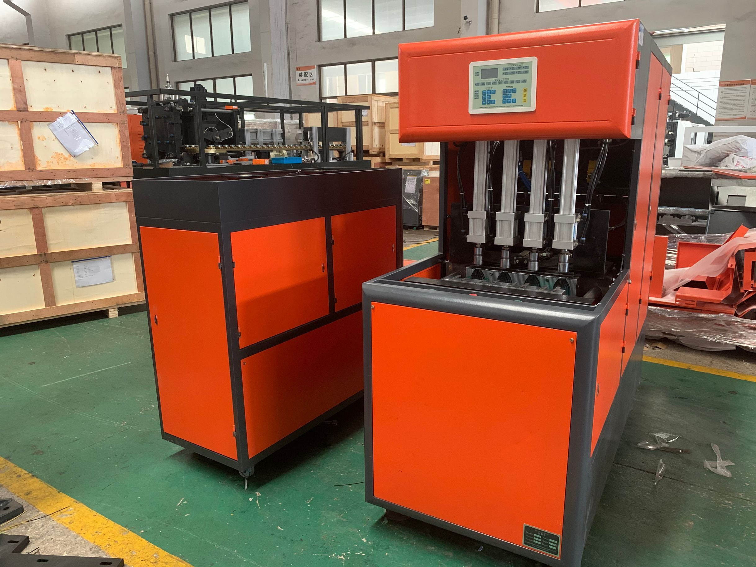 【2020 July 8】Blowing machine and labeling machine sent to Nigeria